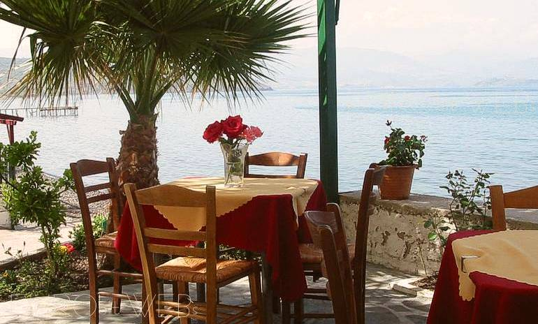 Orizontas Restaurant in Molivos (Molyvos) beach :: Lesvos island, Greece